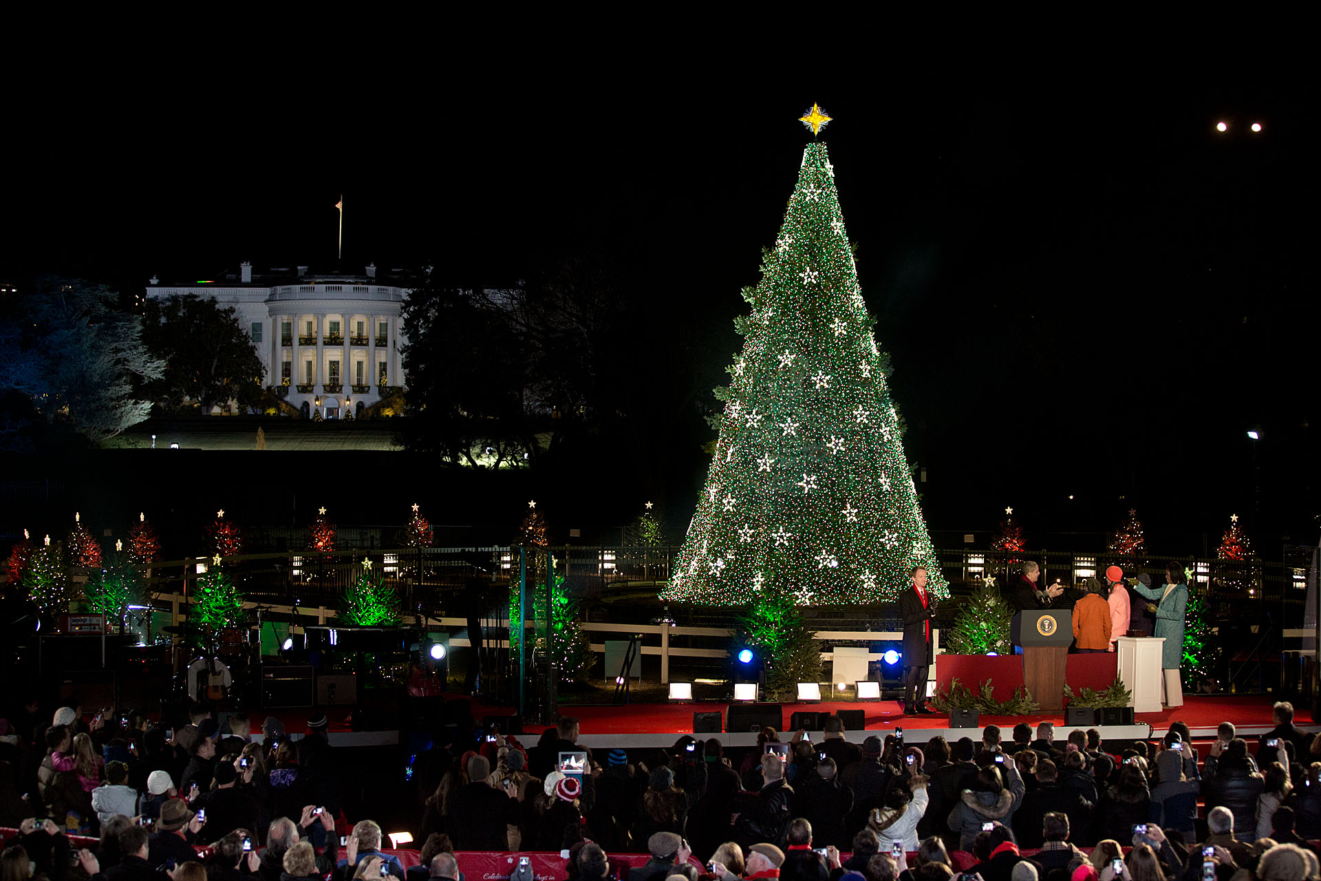 2015 national christmas tree lighting thirteen new for Lit national