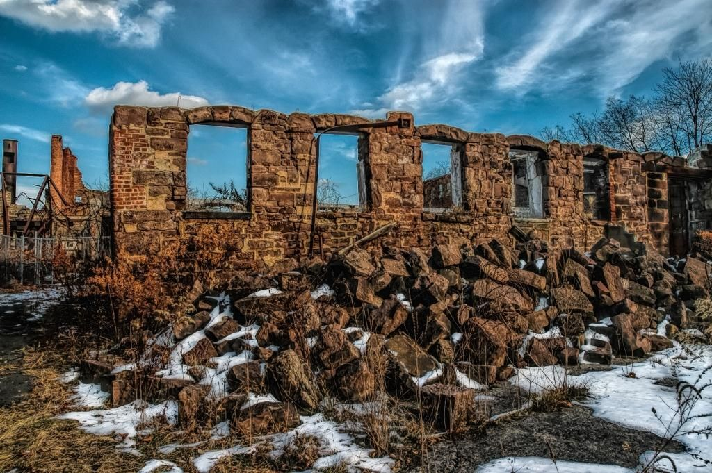 The Colt Gun Mill Ruins at Paterson Great Falls National Park. Photo by Mark Hillringhouse.