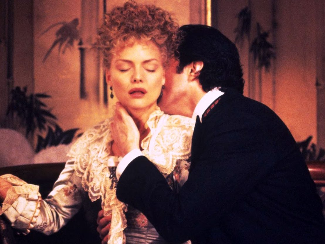 Michelle Pfeiffer and Daniel Day Lewis in a scene from the film The Age of Innocence.