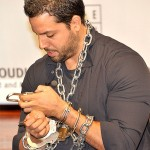 David Blaine demonstrate's one of Houdini's escapes