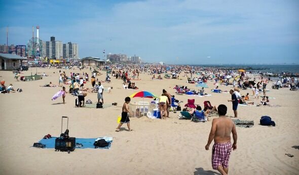Beach Reading for the Weekend Worrier: Tri-State Beach Report Card