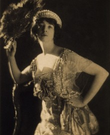 Gertrude Whitney Vanderbilt, photographed by Adolph Baron de Meyer in 1916. Photo Courtesy of trialsanderrors