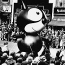 A modestly-sized Felix the Cat balloon became the first in the parade in 1927. Photo courtesy of Bill Smith collection.