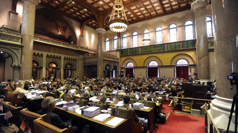 Legislature Passes Teacher Eval Plan, Other Issues Atrophy