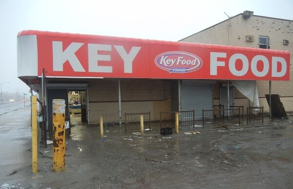 Wanting Customers or Aid, Rockaways Stores Struggle