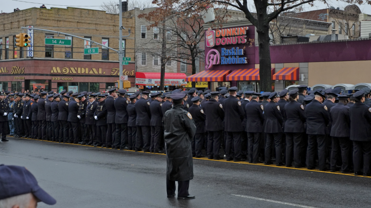 Examining the Divide Between Mayor de Blasio and the NYPD