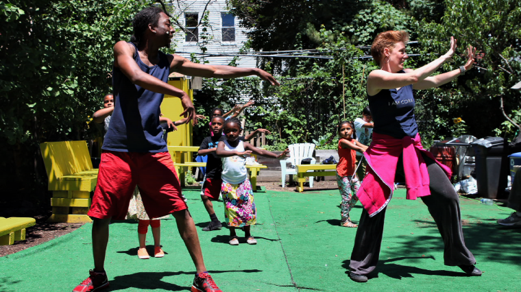 Bette Midler's New York Restoration Project Brings the Arts to Community Gardens