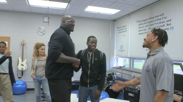 September 22, 2017: SHAQ GIVES BACK!
