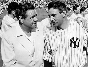 Still of Gary Cooper and Babe Ruth in The Pride of the Yankees (1942)