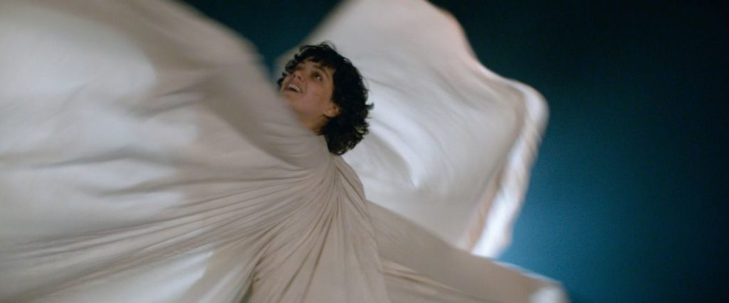 Songwriter/Actor Soko performing Loïe Fuller's legendary Serpentine Dance in Stèphanie Di Giusto's biopic The Dancer (Photo © Shanna Besson-Wild Bunch Distribution)