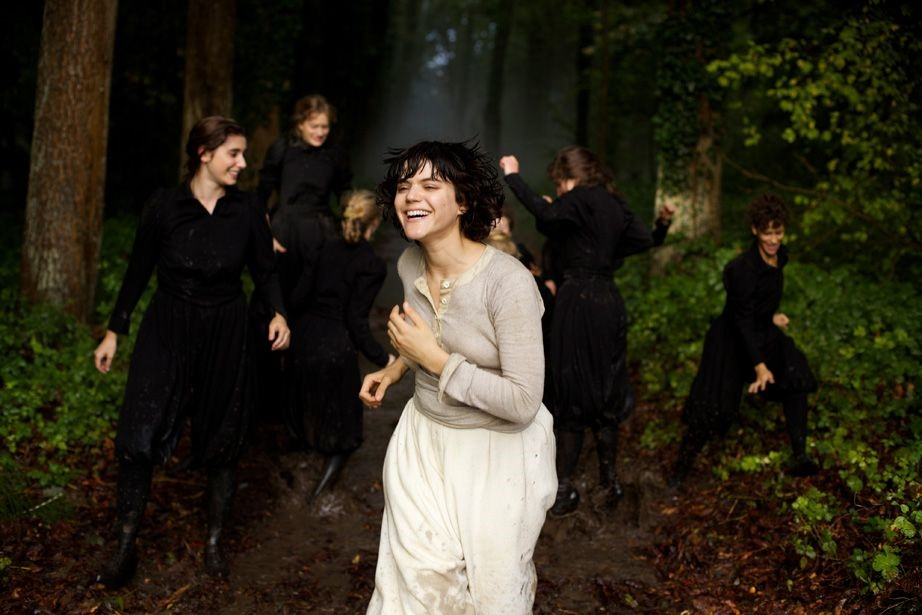 Soko as Loïe Fuller in Stèphanie Di Giusto's biopic The Dancer (Photo © Shanna Besson-Wild Bunch Distribution)