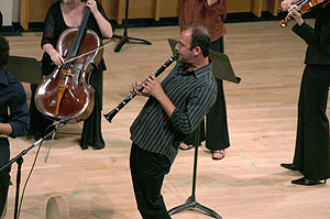Kinan Azmeh playing clarinet