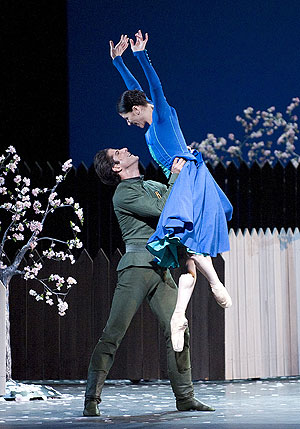 Paloma Herrera and Marcelo Gomes in On the Dnieper.
