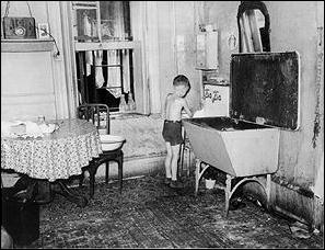 New York Tenement Life In The 30 S And 40
